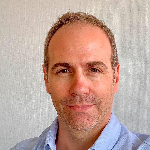 Arq. Victor Martin Olas Anido